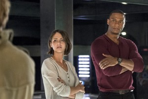 "Arrow -- ""Haunted"" -- Image AR404B_0183b.jpg -- Pictured (L-R): Willa Holland as Thea Queen and David Ramsey as John Diggle -- Photo: Cate Cameron/ The CW -- © 2015 The CW Network, LLC. All Rights Reserved."