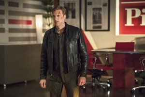 "The Flash -- ""The Darkness and the Light"" -- Image FLA205B_0306b.jpg -- Pictured: Teddy Sears as Jay Garrick -- Photo: Cate Cameron/The CW -- © 2015 The CW Network, LLC. All rights reserved."