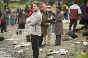 "Arrow -- ""Dark Waters"" -- Image AR409A_0010b.jpg -- Pictured: Stephen Amell as Oliver Queen -- Photo: Diyah Pera/ The CW -- © 2015 The CW Network, LLC. All Rights Reserved."