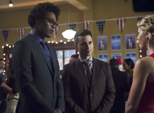 "Arrow -- ""Dark Waters"" -- Image AR409B_0076b.jpg -- Pictured (L-R): Echo Kellum as Curtis Holt, Chenier Hundal as Paul and Emily Bett Rickards as Felicity Smoak -- Photo: Diyah Pera/ The CW -- © 2015 The CW Network, LLC. All Rights Reserved."