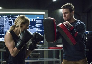 "Arrow -- ""A.W.O.L."" -- Image AR411A_0036b.jpg -- Pictured (L-R): Katie Cassidy as Laurel Lance and Stephen Amell as Oliver Queen -- Photo: Liane Hentscher/ The CW -- © 2016 The CW Network, LLC. All Rights Reserved."