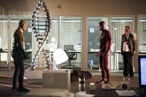 """The Flash -- """"The Reverse Flash Returns"""" -- Image FLA211b_0152b -- Pictured (L-R): Matthew Letscher as Eobard Thawne/Reverse Flash, Grant Gustin as The Flash, and Amanda Pays as Christina McGee -- Photo: Bettina Strauss/The CW -- © 2016 The CW Network, LLC. All rights reserved."""