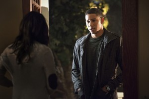 """The Flash -- """"The Reverse Flash Returns"""" -- Image FLA211a_0418b -- Pictured (L-R): Candice Patton as Iris West and Keiynan Lonsdale as Wally West -- Photo: Diyah Pera/The CW -- © 2016 The CW Network, LLC. All rights reserved."""