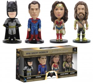 BATMAN VS SUPERMAN MINI WACKY WOBBLER 4PK SET