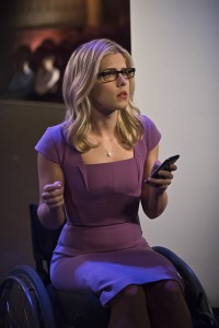 """Arrow -- """"Code of Silence"""" -- Image AR414b_0050b.jpg -- Pictured:  Emily Bett Rickards as Felicity Smoak -- Photo: Katie Yu/ The CW -- © 2016 The CW Network, LLC. All Rights Reserved."""