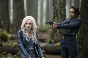 "The Flash -- ""Escape From Earth-2"" -- Image FLA214b_BTS_0022b -- Pictured (L-R): Danielle Panabaker as Killer Frost and Candice Patton as Earth 2 Iris West -- Photo: Bettina Strauss/The CW -- © 2016 The CW Network, LLC. All rights reserved."