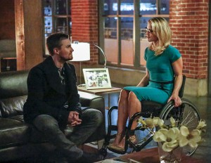 "Arrow -- ""Sins of the Father"" -- Image ARR413a_0059b.jpg -- Pictured (L-R):  Stephen Amell as Oliver Queen and Emily Bett Rickards as Felicity Smoak -- Photo: Bettina Strauss/ The CW -- © 2016 The CW Network, LLC. All Rights Reserved."