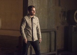 "Arrow -- ""Sins of the Father"" -- Image AR413b_0522b.jpg -- Pictured: Stephen Amell as Oliver Queen -- Photo: Dean Buscher/ The CW -- © 2016 The CW Network, LLC. All Rights Reserved."