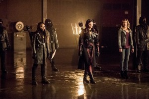 "Arrow -- ""Sins of the Father"" -- Image AR413b_0330b.jpg -- Pictured (L-R):  Natasha Gayle as Talibah, Katrina Law as Nyssa al Ghul, and Katie Cassidy as Laurel Lance -- Photo: Dean Buscher/ The CW -- © 2016 The CW Network, LLC. All Rights Reserved."