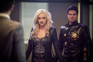 "The Flash -- ""Welcome to Earth-2"" -- Image FLA213b_0170b -- Pictured (L-R): Danielle Panabaker as Killer Frost and Robbie Amell as Death Storm -- Photo: Diyah Pera/The CW -- © 2016 The CW Network, LLC. All rights reserved."