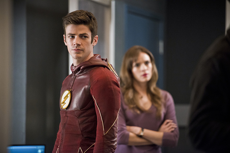 "The Flash -- ""Versus Zoom"" -- Image: FLA218b_0225b.jpg -- Pictured (L-R): Grant Gustin as Barry Allen and Danielle Panabaker as Caitlin Snow -- Photo: Diyah Pera/The CW -- © 2016 The CW Network, LLC. All rights reserved."