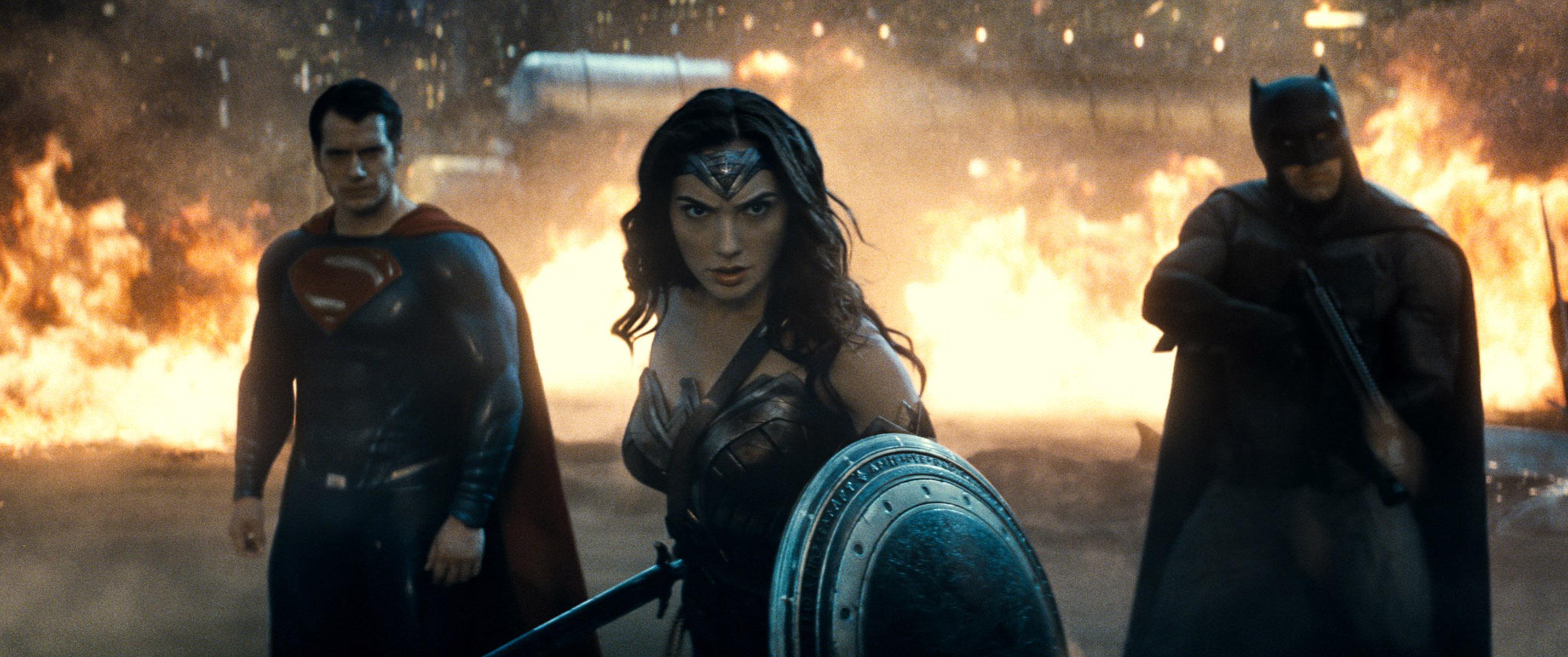 Trinity Batman v Superman review dc comics news