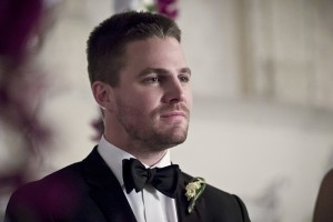 "Arrow -- ""Broken Hearts"" -- Image AR416a_0169b.jpg -- Pictured: Stephen Amell as Oliver Queen -- Photo: Katie Yu/The CW -- © 2016 The CW Network, LLC. All Rights Reserved."