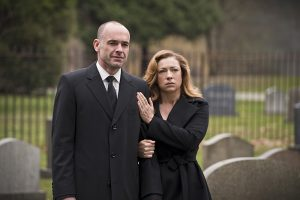 "Arrow -- ""Canary Cry"" -- Image AR419b_0173b.jpg -- Pictured: Paul Blackthorne as Detective Quentin Lance and Alex Kingston as Dinah Lance -- Photo: Diyah Pera/The CW -- © 2016 The CW Network, LLC. All Rights Reserved."