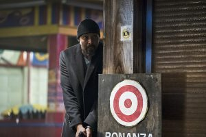"""The Flash -- """"Back to Normal"""" -- Image: FLA219b_0110b.jpg -- Pictured: Jesse L. Martin as Detective Joe West -- Photo: Katie Yu/The CW -- © 2016 The CW Network, LLC. All rights reserved."""