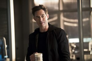 """The Flash -- """"The Race of His Life"""" -- Image: FLA223a_0134b.jpg -- Pictured: Tom Cavanagh as Harrison Wells -- Photo: Katie Yu/The CW -- © 2016 The CW Network, LLC. All rights reserved."""