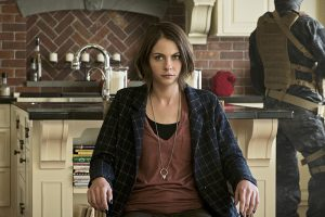 """Arrow -- """"Lost in the Flood"""" -- Image AR422b_0157b.jpg -- Pictured: Willa Holland as Thea Queen -- Photo: Katie Yu/The CW -- © 2016 The CW Network, LLC. All Rights Reserved."""
