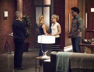 """Arrow -- """"Lost in the Flood"""" -- Image AR422a_0236b.jpg -- Pictured (L-R): Tom Amandes as Noah Kuttler/Calculator, Charlotte Ross as Donna Smoak, Emily Bett Rickards as Felicity Smoak and Echo Kellum as Curtis Holt -- Photo: Dean Buscher/The CW -- © 2016 The CW Network, LLC. All Rights Reserved."""
