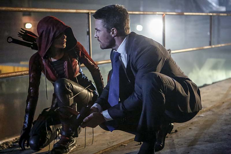 "Arrow -- ""Legacy"" -- Image AR501c_0003b --- Pictured (L-R): Willa Holland as Speedy and Stephen Amell as Oliver Queen -- Photo: Bettina Strauss/The CW -- Ì?å© 2016 The CW Network, LLC. All Rights Reserved."