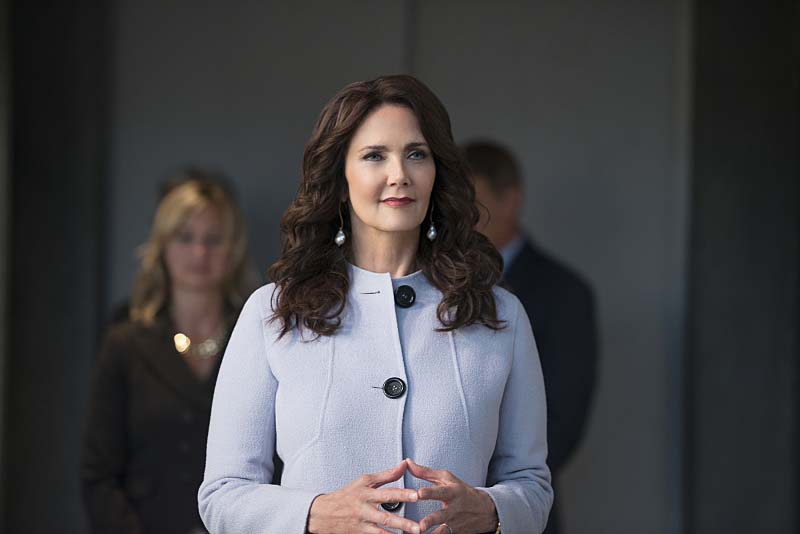 "Supergirl -- ""Welcome to Earth"" -- Image SPG203c_0074 -- Pictured: Lynda Carter as President Olivia Marsdin -- Photo: Diyah Pera/The CW -- Ì?å© 2016 The CW Network, LLC. All Rights Reserved"