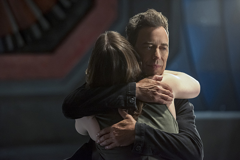 """The Flash -- """"Magenta"""" -- Image: FLA303a_0382b.jpg -- Pictured: Violett Beane as Jesse Quick and Tom Cavanagh as Harrison Wells -- Photo: Dean Buscher/The CW -- © 2016 The CW Network, LLC. All rights reserved."""
