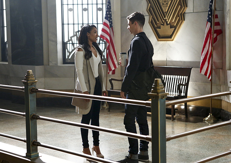 """The Flash -- """"Magenta"""" -- Image: FLA303b_0005b.jpg -- Pictured (L-R) Candice Patton as Iris West and Grant Gustin as Barry Allen -- Photo: Bettina Strauss/The CW -- © 2016 The CW Network, LLC. All rights reserved."""