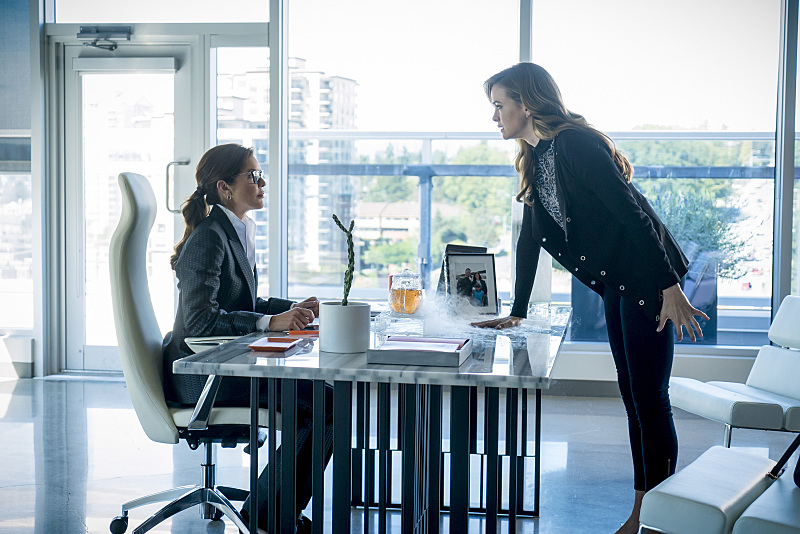 "The Flash -- ""Monster"" -- Image FLA305b_0180b.jpg -- Pictured (L-R): Susan Walters as Dr. Tannhauser and Danielle Panabaker as Caitlin Snow -- Photo: Katie Yu/The CW -- © 2016 The CW Network, LLC. All rights reserved."