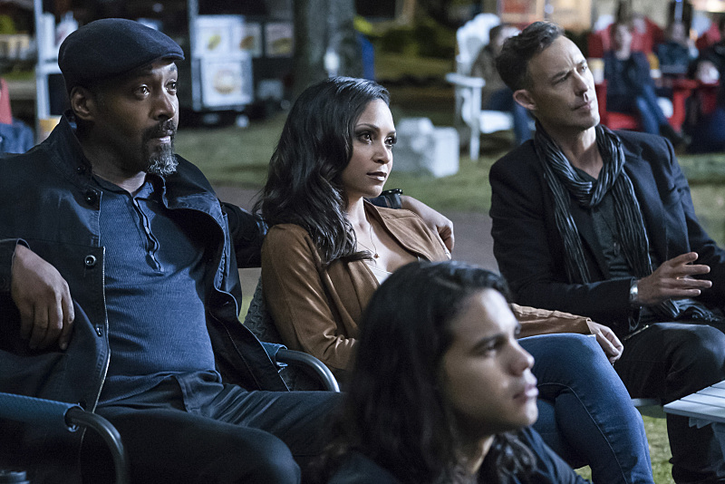"The Flash -- ""Shade"" -- Image FLA306a_0108b2.jpg -- Pictured (L-R): Jesse L. Martin as Detective Joe West, Danielle Nicolet as D.A. Cecile Horton, Tom Cavanagh as Harrison Wells and Carlos Valdes as Cisco Ramon, -- Photo: Katie Yu/The CW -- © 2016 The CW Network, LLC. All rights reserved."