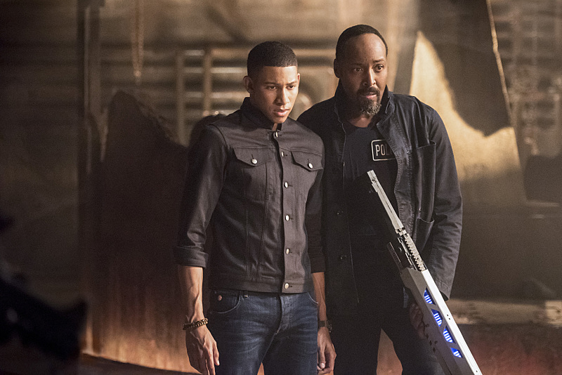 "The Flash -- ""Shade"" -- Image FLA306b_0372b.jpg -- Pictured (L-R): Keiynan Lonsdale as Wally West and Jesse L. Martin as Detective Joe West -- Photo: Dean Buscher/The CW -- © 2016 The CW Network, LLC. All rights reserved."