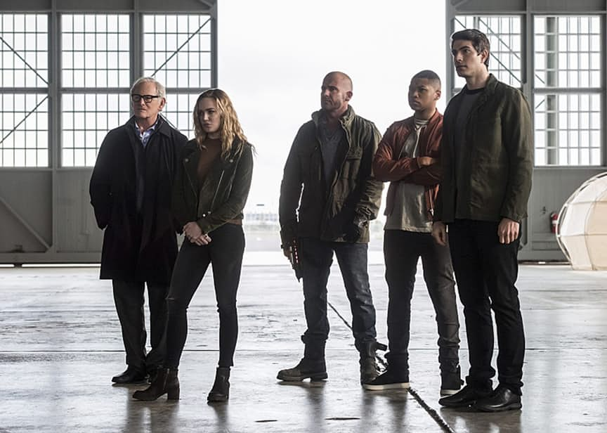 "The Flash -- ""Invasion!"" -- Image FLA308b_0134b.jpg -- Pictured (L-R): Victor Garber as Professor Martin Stein, Caity Lotz as Sara Lance/White Canary, Dominic Purcell as Mick Rory/Heat Wave, Franz Drameh as Jefferson ""Jax"" Jackson and Brandon Routh as Ray Palmer/Atom -- Photo: Dean Buscher/The CW -- © 2016 The CW Network, LLC. All rights reserved."