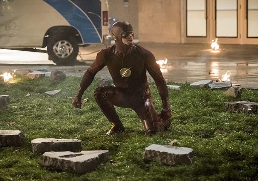 "The Flash -- ""Invasion!"" -- Image FLA308c_0143b.jpg -- Pictured: Grant Gustin as The Flash -- Photo: Dean Buscher/The CW -- © 2016 The CW Network, LLC. All rights reserved."