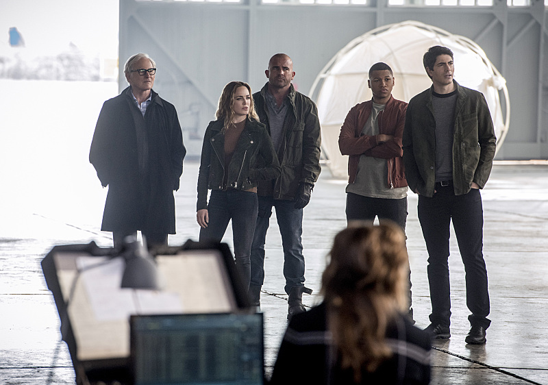 "The Flash -- ""Invasion!"" -- Image FLA308b_0012b.jpg -- Pictured (L-R): Victor Garber as Professor Martin Stein, Caity Lotz as Sara Lance/White Canary, Dominic Purcell as Mick Rory/Heat Wave, Franz Drameh as Jefferson ""Jax"" Jackson and Brandon Routh as Ray Palmer/Atom -- Photo: Dean Buscher/The CW -- © 2016 The CW Network, LLC. All rights reserved."