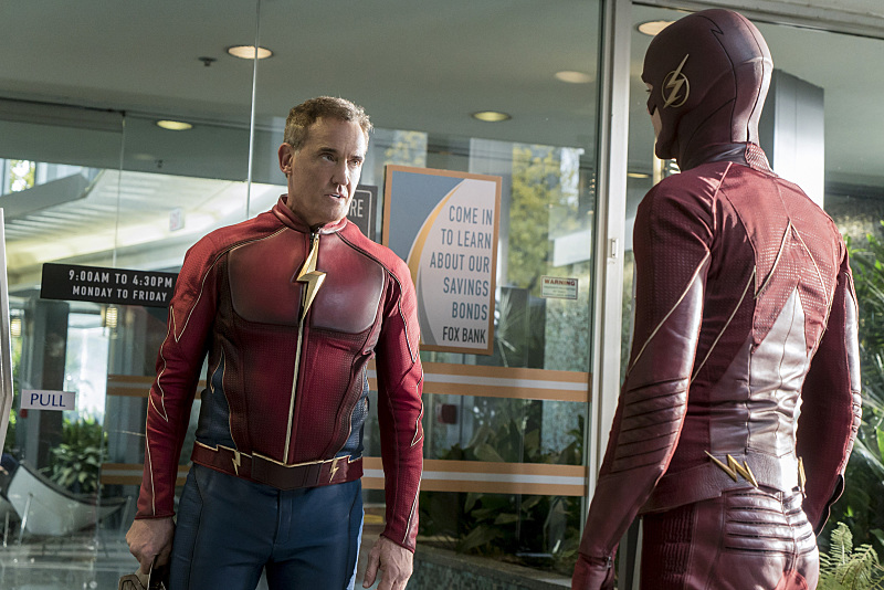 "The Flash -- ""The Present"" -- Image FLA309a_0171b.jpg -- Pictured (L-R) John Wesley Shipp as Jay Garrick and Grant Gustin as The Flash -- Photo: Katie Yu/The CW -- © 2016 The CW Network, LLC. All rights reserved."