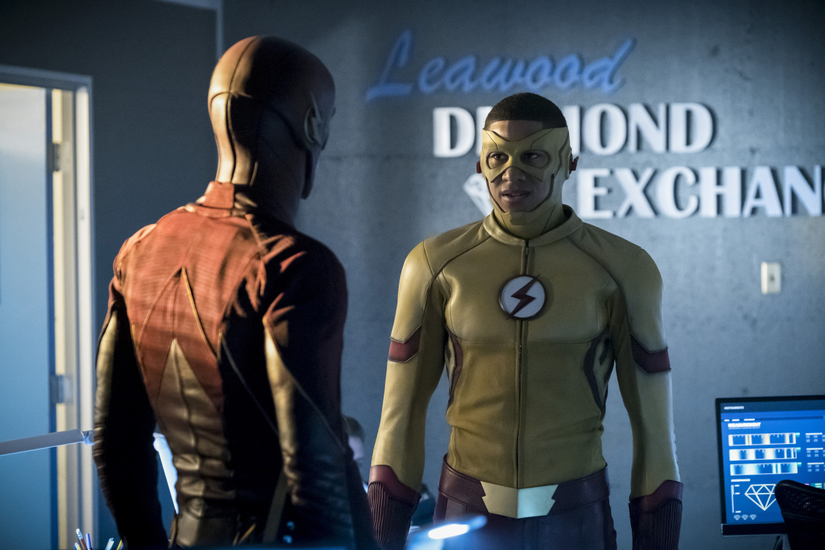 "The Flash -- ""Borrowing Problems from the Future"" -- Image FLA310a_0038b.jpg -- Pictured (L-R): Grant Gustin as The Flash and Keiynan Lonsdale as Kid Flash -- Photo: Katie Yu/The CW -- © 2016 The CW Network, LLC. All rights reserved."