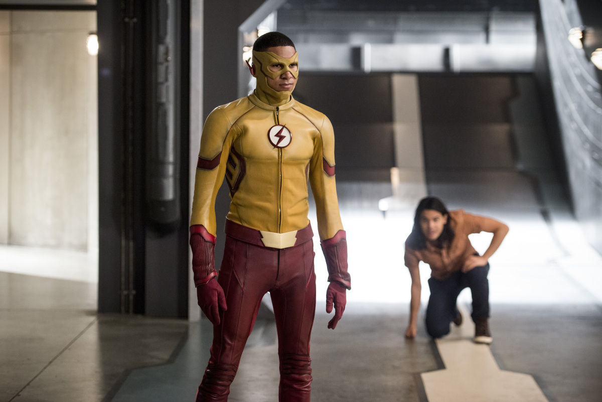 """The Flash -- """"Dead or Alive"""" -- Image FLA311b_0175b.jpg -- Pictured (L-R): Keiynan Lonsdale as Kid Flash and Carlos Valdes as Cisco Ramon -- Photo: Diyah Pera/The CW -- © 2017 The CW Network, LLC. All rights reserved."""