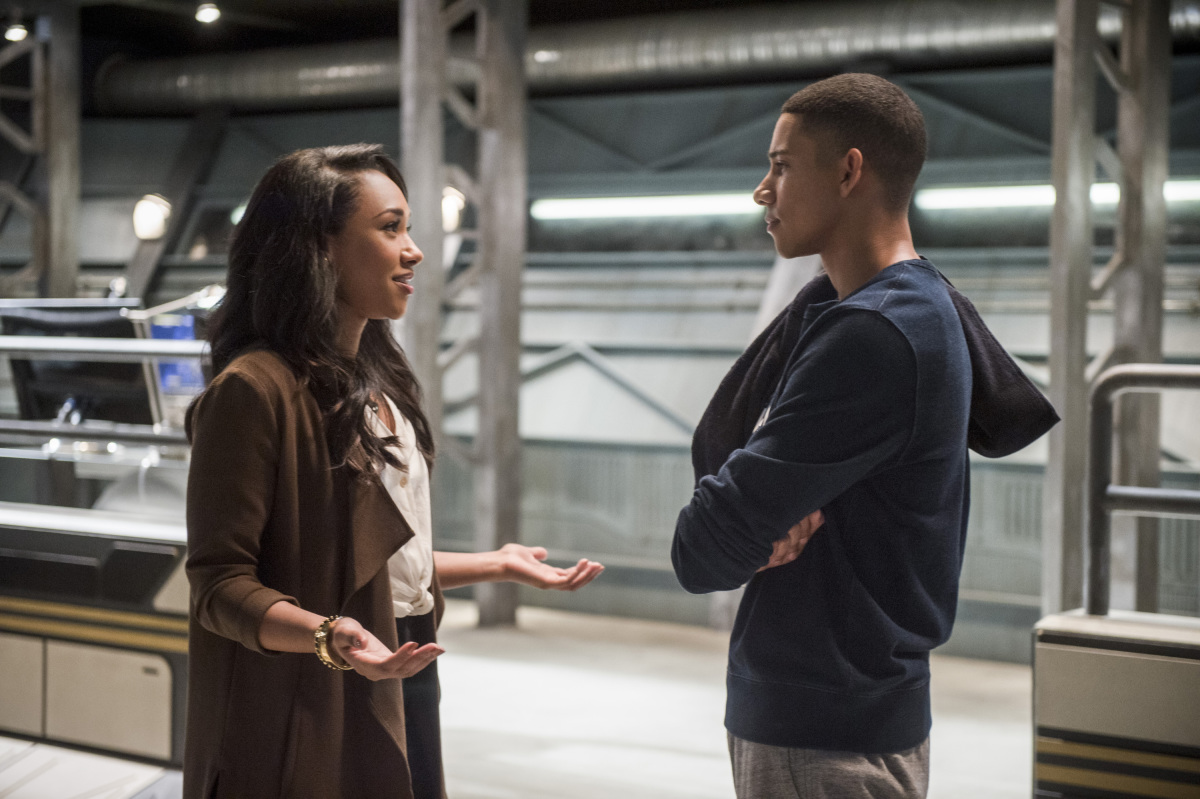 """The Flash -- """"Dead or Alive"""" -- Image FLA311b_0377b.jpg -- Pictured (L-R): Candice Patton as Iris West and Keiynan Lonsdale as Wally West -- Photo: Diyah Pera/The CW -- © 2017 The CW Network, LLC. All rights reserved."""