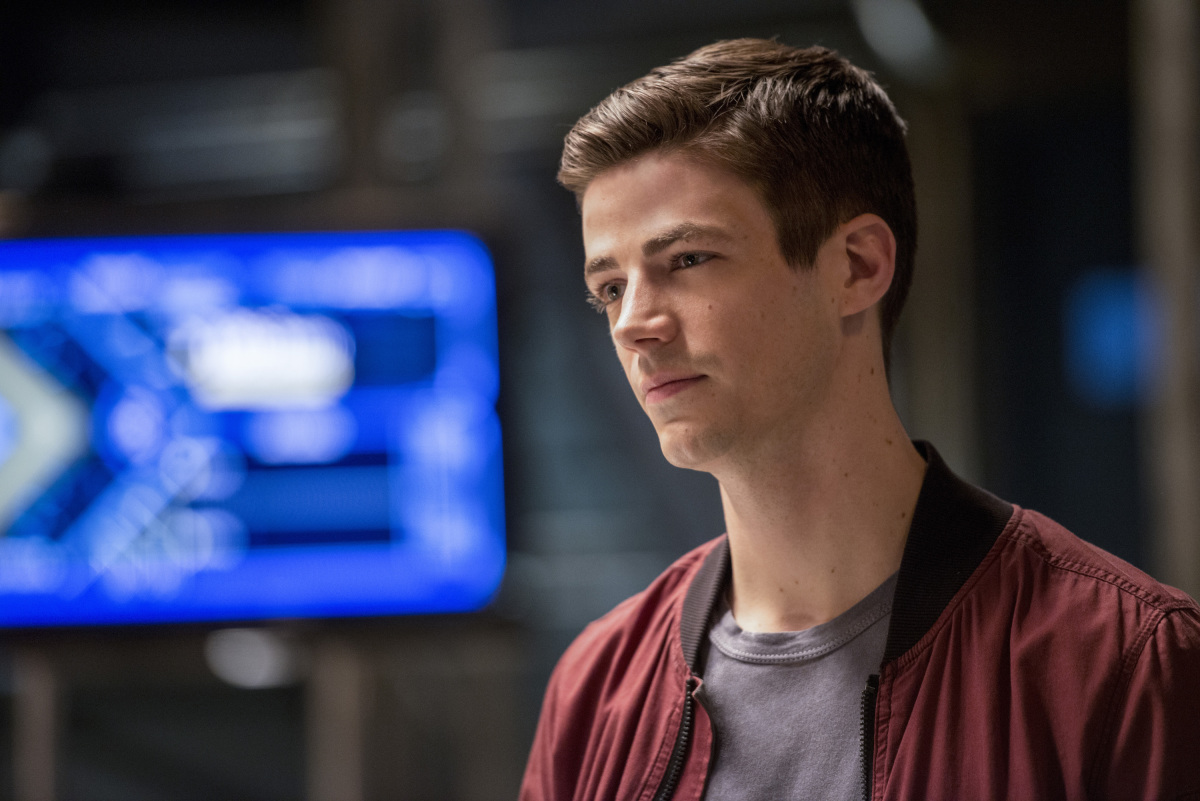 """The Flash -- """"Dead or Alive"""" -- Image FLA311b_0410b2.jpg -- Pictured: Grant Gustin as Barry Allen -- Photo: Diyah Pera/The CW -- © 2017 The CW Network, LLC. All rights reserved."""