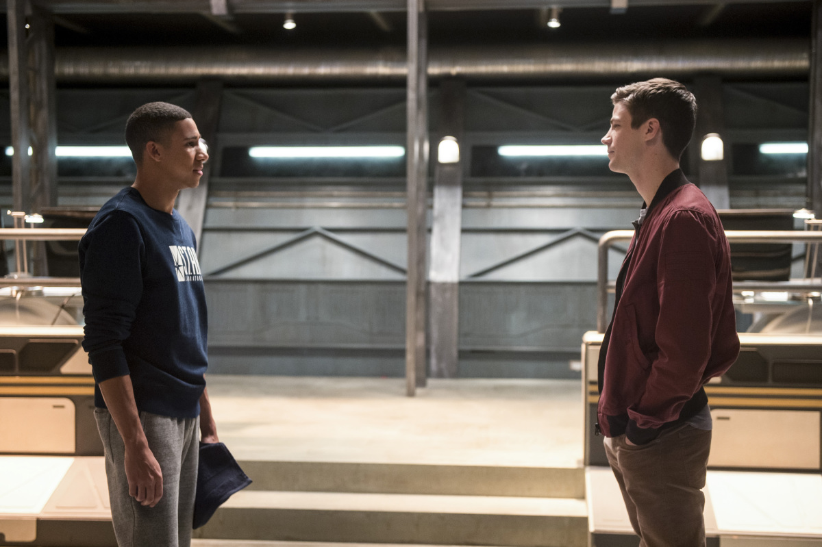 """The Flash -- """"Dead or Alive"""" -- Image FLA311b_0434b.jpg -- Pictured (L-R): Keiynan Lonsdale as Wally West and Grant Gustin as Barry Allen -- Photo: Diyah Pera/The CW -- © 2017 The CW Network, LLC. All rights reserved."""