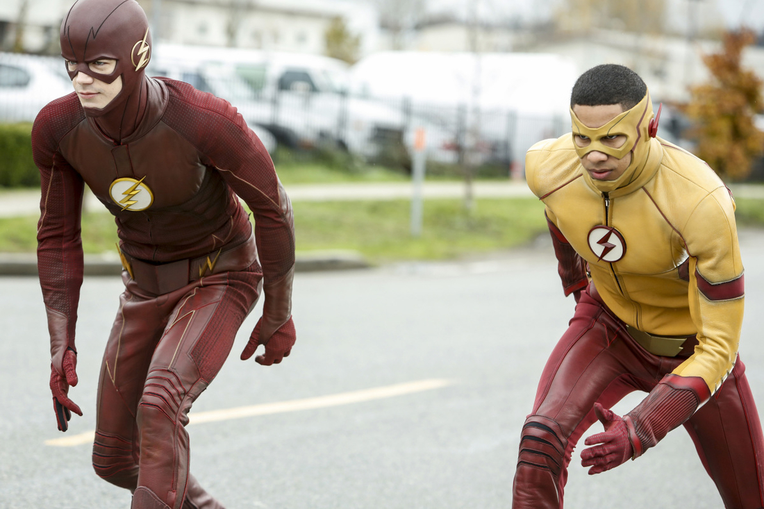 "The Flash -- "" Untouchable"" -- FLA312b_0041b.jpg -- Pictured (L-R):  Grant Gustin as The Flash and Keiynan Lonsdale as Kid Flash -- Photo: Bettina Strauss/The CW -- © 2017 The CW Network, LLC. All rights reserved."