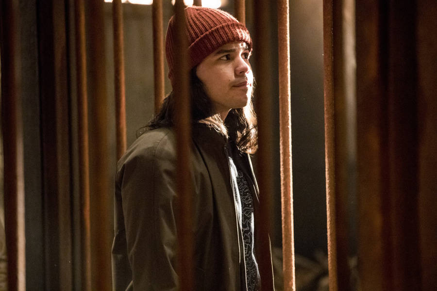 "The Flash -- ""Attack on Gorilla City"" -- FLA313d_0107b.jpg -- Pictured: Carlos Valdes as Cisco Ramon -- Photo: Jack Rowand/The CW -- © 2017 The CW Network, LLC. All rights reserved."