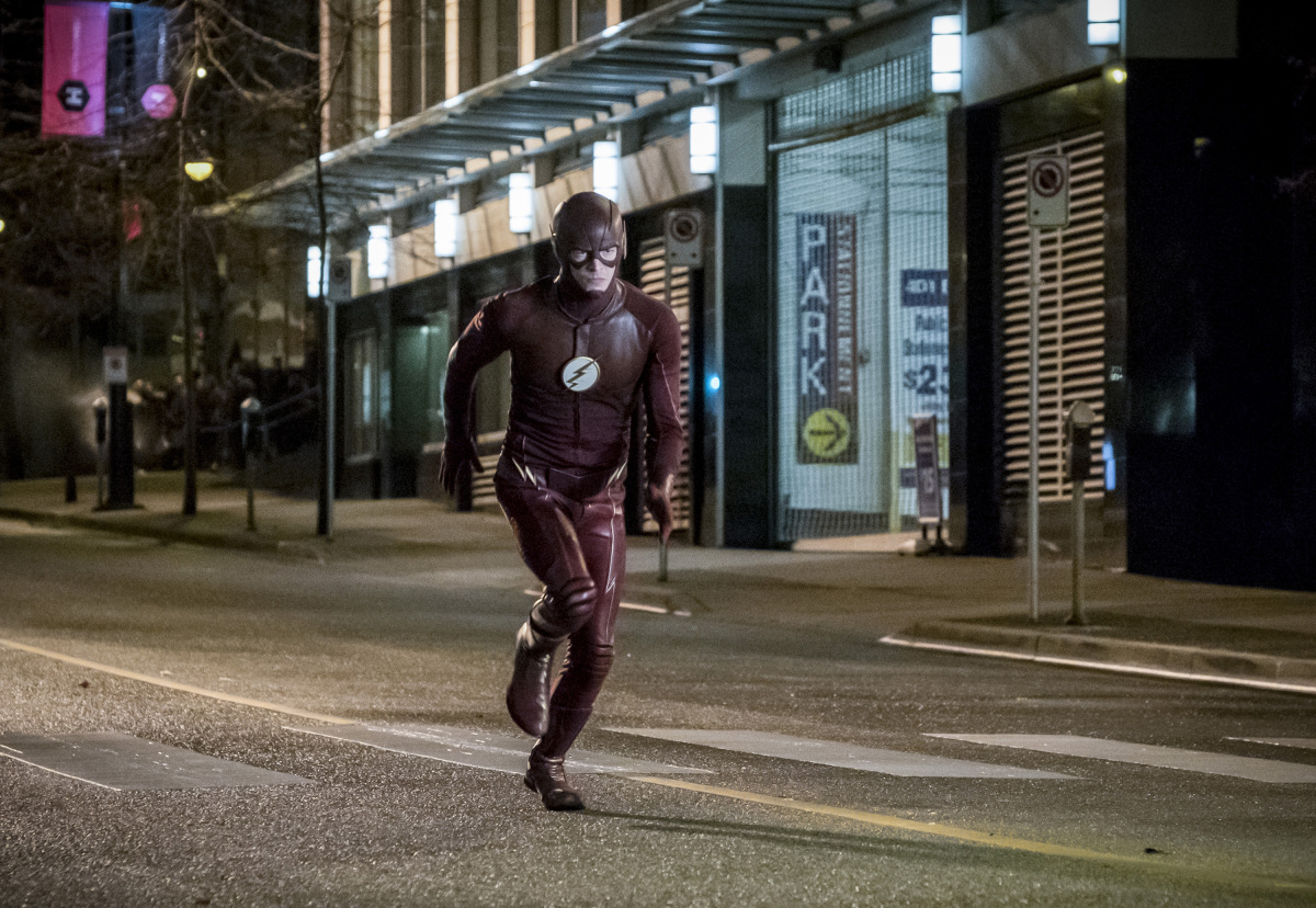 "The Flash -- ""Attack on Central City"" -- FLA314a_0187b.jpg -- Pictured: Grant Gustin as The Flash -- Photo: Katie Yu/The CW -- © 2017 The CW Network, LLC. All rights reserved."