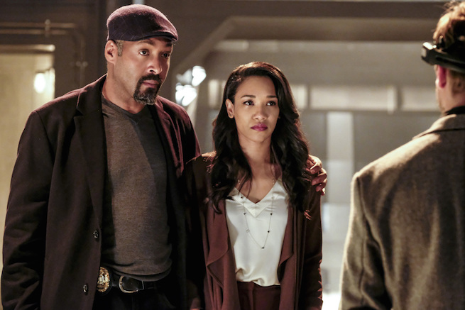 "The Flash -- ""The Wrath of Savitar"" -- FLA315a_0048b.jpg -- Pictured (L-R): Jesse L. Martin as Detective Joe West and Candice Patton as Iris West -- Photo: Bettina Strauss/ The CW -- © 2017 The CW Network, LLC. All rights reserved."