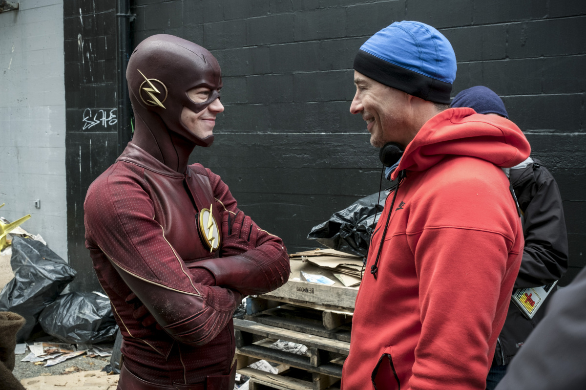 "The Flash -- ""The Once and Future Flash"" -- FLA319a_BTS_0207b.jpg -- Pictured (L-R): Behind the scenes with Grant Gustin and Tom Cavanagh -- Photo: Katie Yu/The CW -- © 2017 The CW Network, LLC. All rights reserved."
