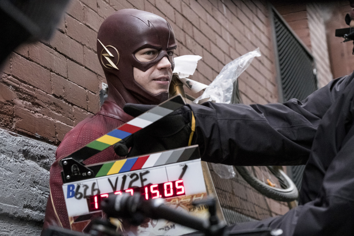 "The Flash -- ""The Once and Future Flash"" -- FLA319a_BTS_0262b.jpg -- Pictured: Behind the scenes with Grant Gustin -- Photo: Katie Yu/The CW -- © 2017 The CW Network, LLC. All rights reserved."