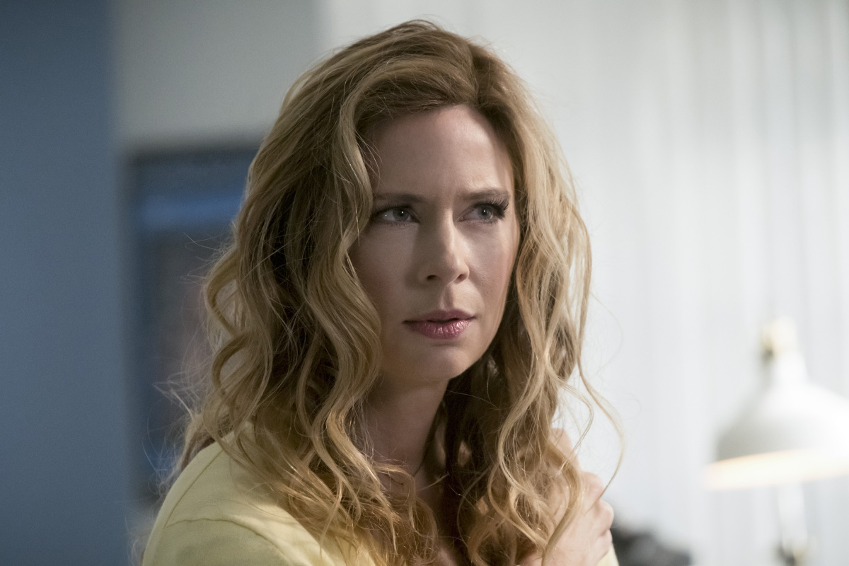"The Flash -- ""I Know Who You Are"" -- FLA320a_0017b.jpg -- Pictured: Anne Dudek as Tracy Brand -- Photo: Katie Yu/The CW -- © 2017 The CW Network, LLC. All rights reserved."