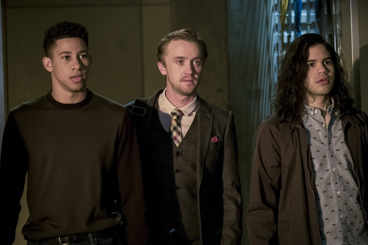 "The Flash -- ""Cause and Effect"" -- FLA321a_0021b.jpg -- Pictured (L-R): Keiynan Lonsdale as Wally West, Tom Felton as Julian Albert and Carlos Valdes as Cisco Ramon -- Photo: Jeff Weddell /The CW -- © 2017 The CW Network, LLC. All rights reserved."