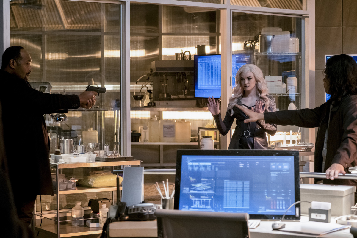"The Flash -- ""Cause and Effect"" -- FLA321a_0064b.jpg -- Pictured (L-R):  Jesse L. Martin as Detective Joe West, Danielle Panabaker as Killer Frost and Carlos Valdes as Cisco Ramon -- Photo: Jeff Weddell /The CW -- © 2017 The CW Network, LLC. All rights reserved."