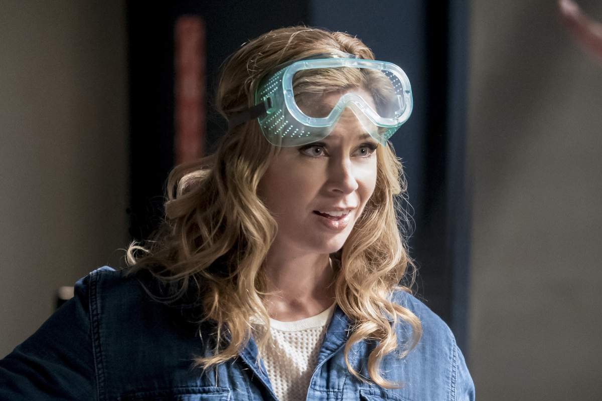 "The Flash -- ""Cause and Effect"" -- FLA321b_0028b.jpg -- Pictured: Anne Dudek as Tracy Brand -- Photo: Katie Yu/The CW -- © 2017 The CW Network, LLC. All rights reserved."