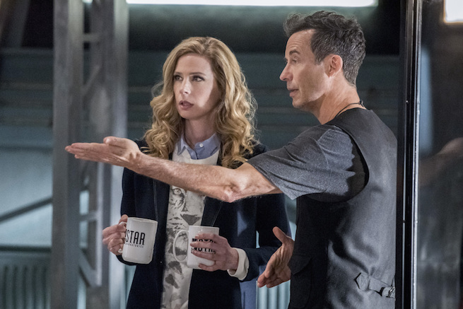 "The Flash -- ""Infantino Street"" -- FLA322a_0212b.jpg -- Pictured (L-R): Anne Dudek as Tracy Brand and Tom Cavanagh as Harrison Wells -- Photo: Dean Buscher /The CW -- © 2017 The CW Network, LLC. All rights reserved."