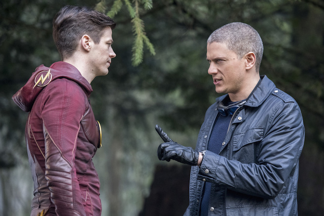 "The Flash -- ""Infantino Street"" -- FLA322b_0206b.jpg -- Pictured (L-R): Grant Gustin as Barry Allen and Wentworth Miller as Leonard Snart/Captain Cold -- Photo: Dean Buscher /The CW -- © 2017 The CW Network, LLC. All rights reserved."